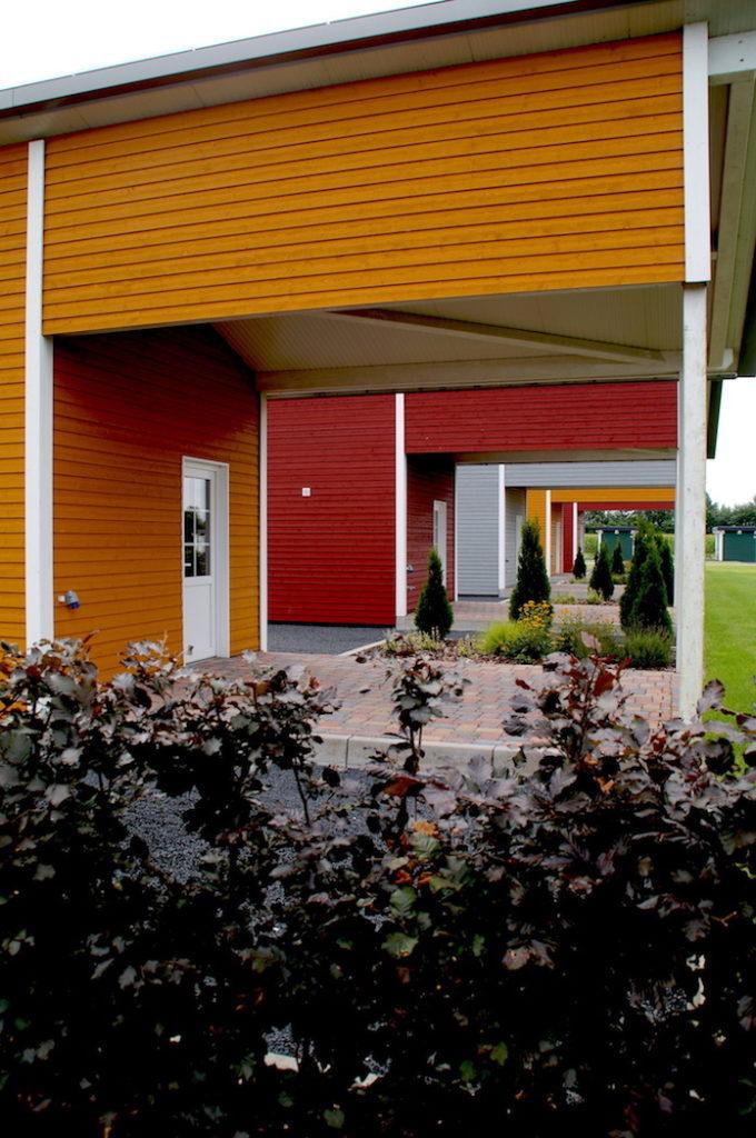 """Campingplatz """"EMSLAND-CAMP"""" mit Campinghaus (Küche, Schlafbereich, Badezimmer, Wohnbereich)"""