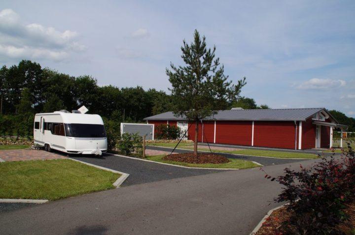 """Großer Stellplatz mit Privatbad auf dem Campingplatz """"EMSLAND-CAMP"""""""
