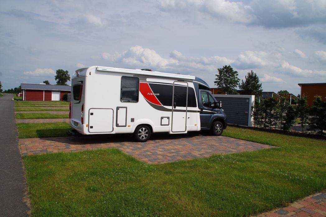 """Große Stellplätze auf dem Campingplatz """"EMSLAND-CAMP"""""""