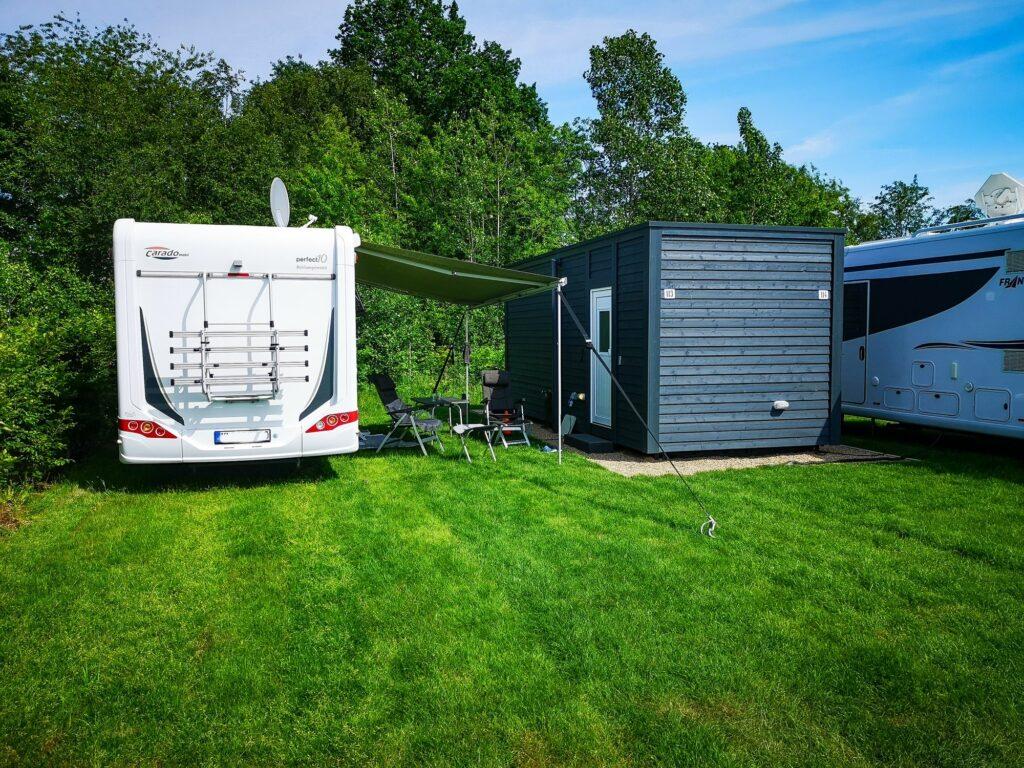 Wiesencamping mit Privatbad und Abwaschküche