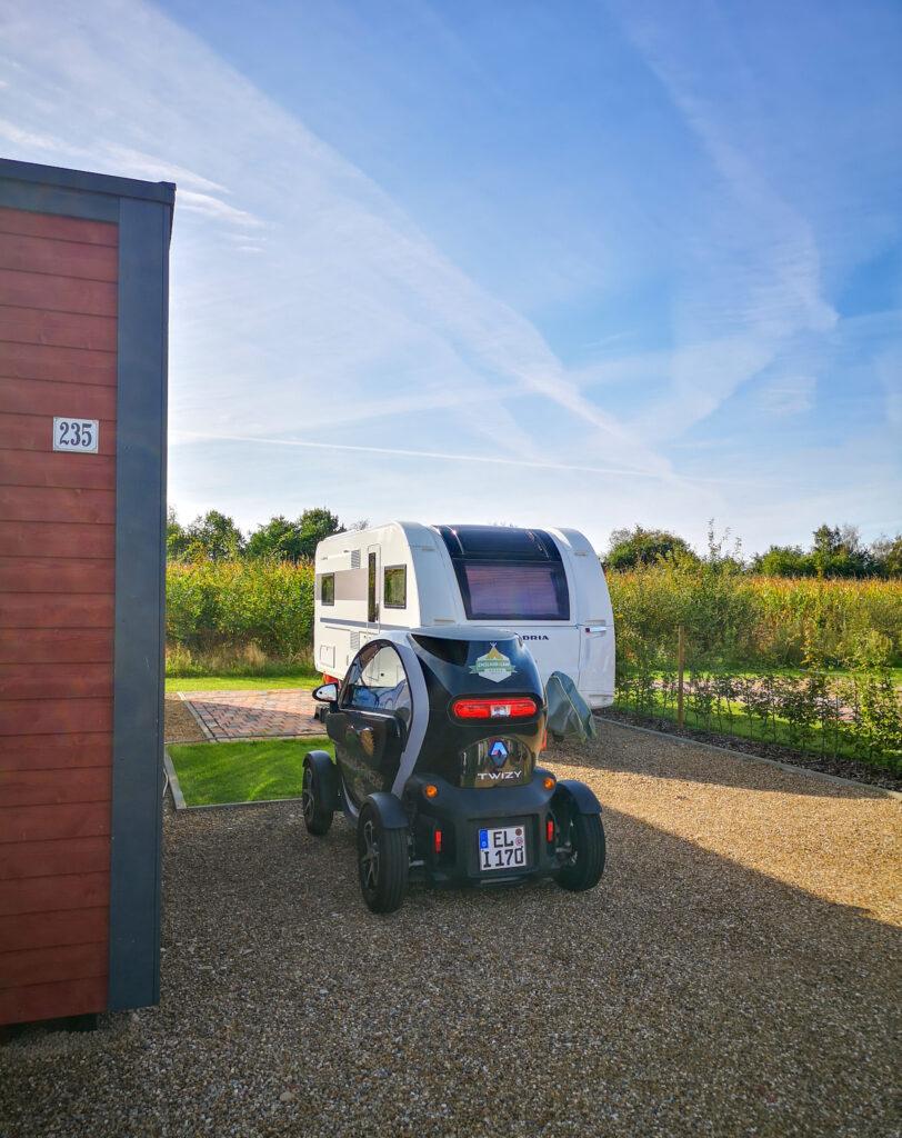 Süüdplaatse - XL-Standplatz für Wohnmobil oder Wohnwagen mit Familienbad